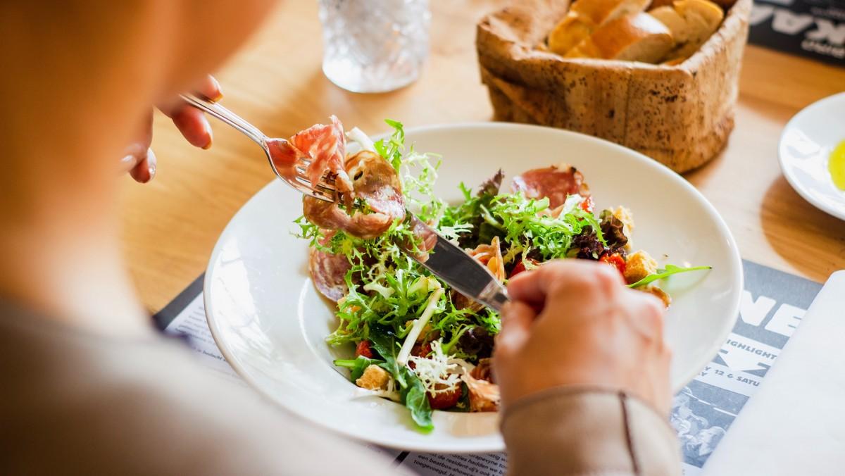 Sacharidy mohou hrát při dietě důležitou roli